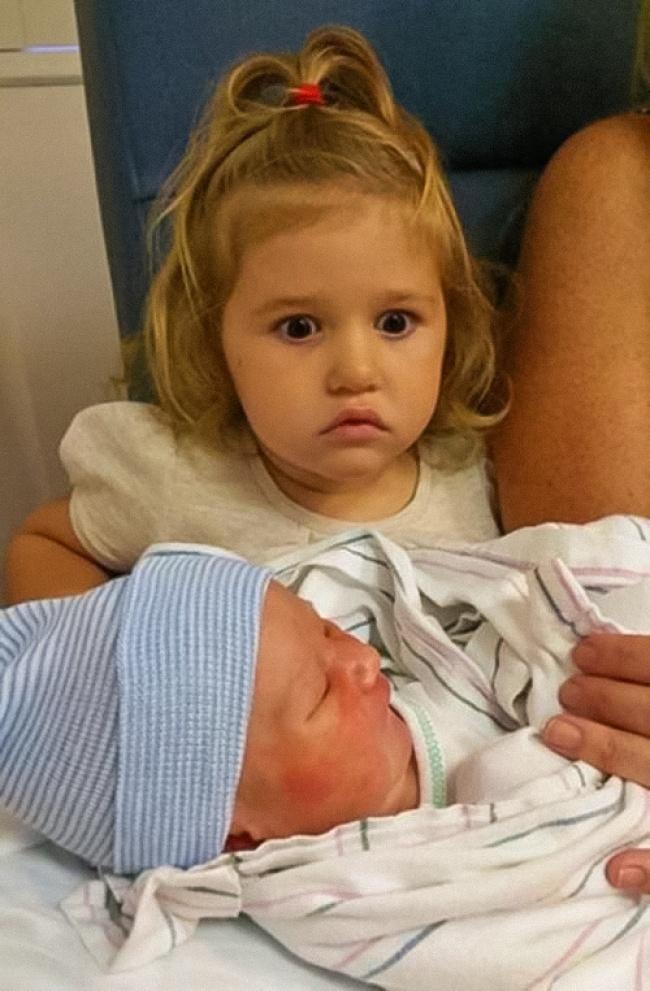 12доказательств того, что нет никого круче старшей сестры (12 фото)