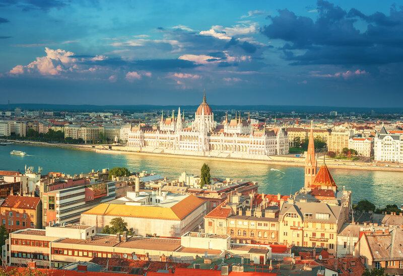 Здание парламента Венгрии и река Дунай