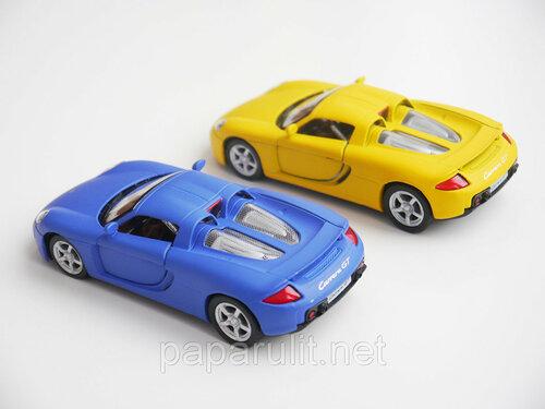 Kinsmart Porsche Carrera GT