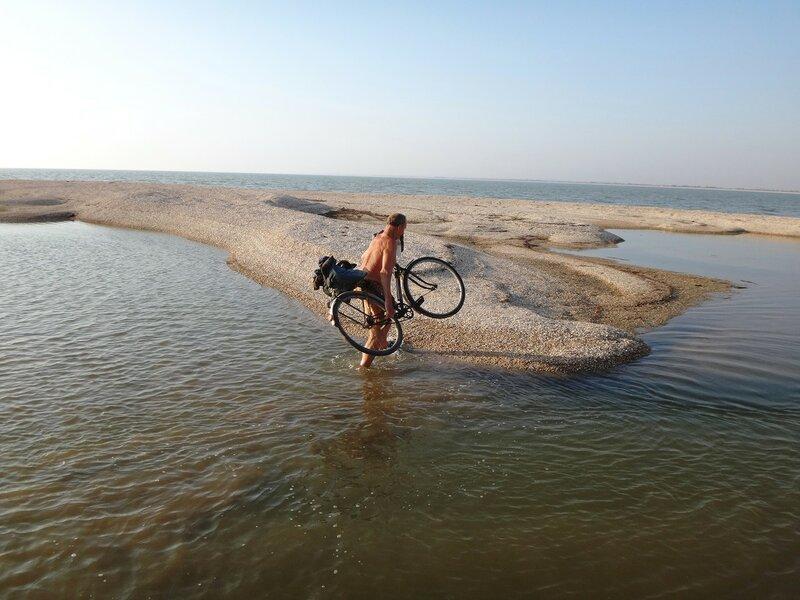 Одолеваем препятствия ... 42. Фото из велокольца. Ахтари-Староминская-Бейсугский пролив (244).JPG