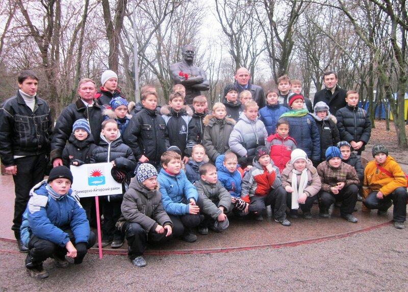 Открытие памятника Ивану Поддубному, Ейск, декабрь 2011, фотографии Светланы Левада,