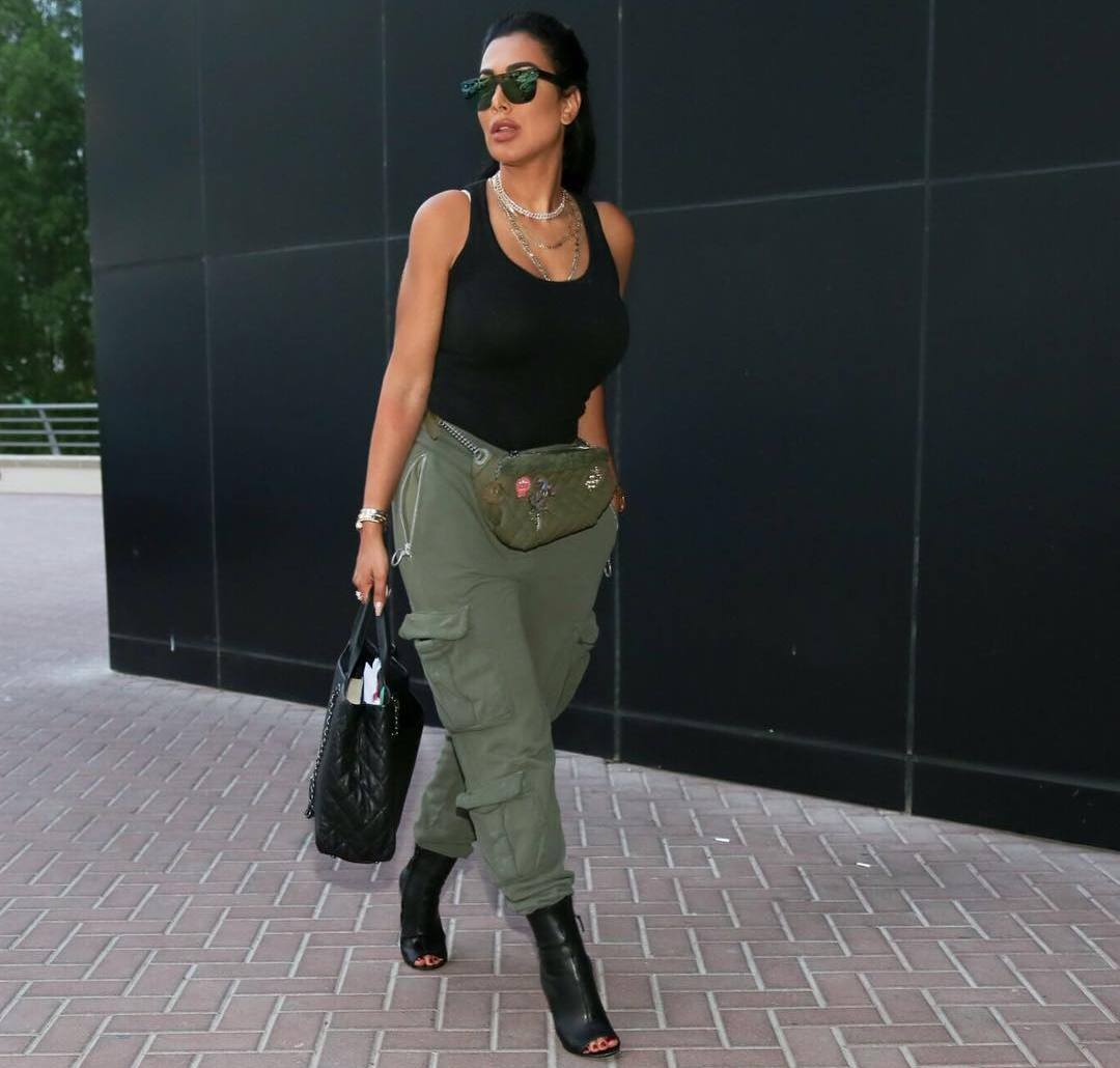 Double Kim Kardashian spends $ 4,000 a month on cosmetics