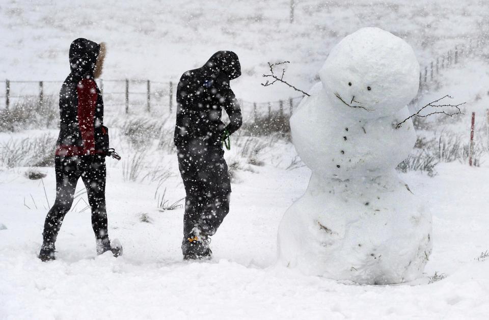 Погода продолжает испытывать Великобританию на прочность