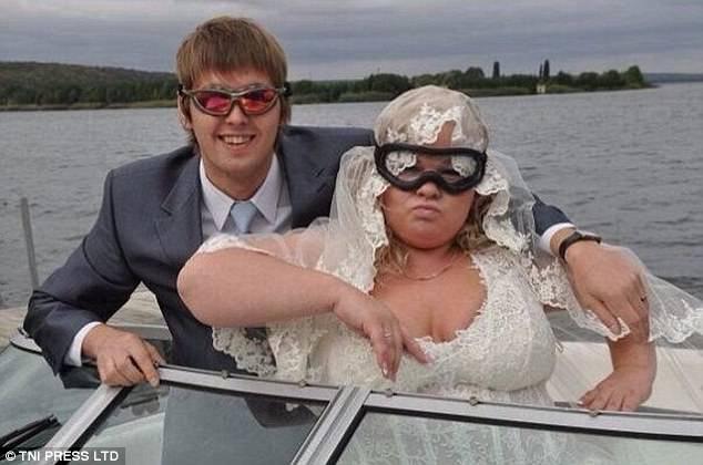Безопасность глаз на борту моторной лодки превыше всего.