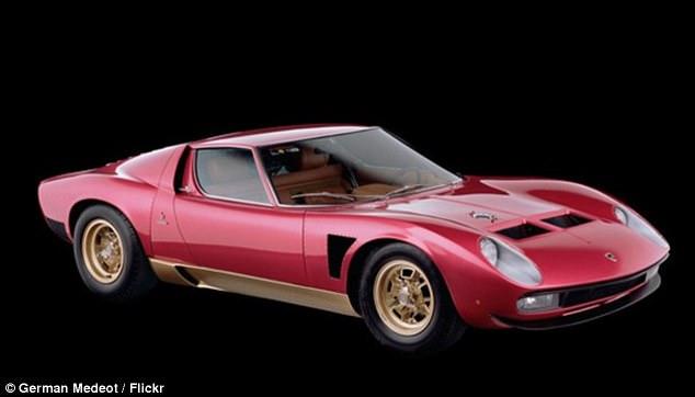 Lamborghini иранского шаха   В 1997 году актер купил на аукционе за 450 тысяч д