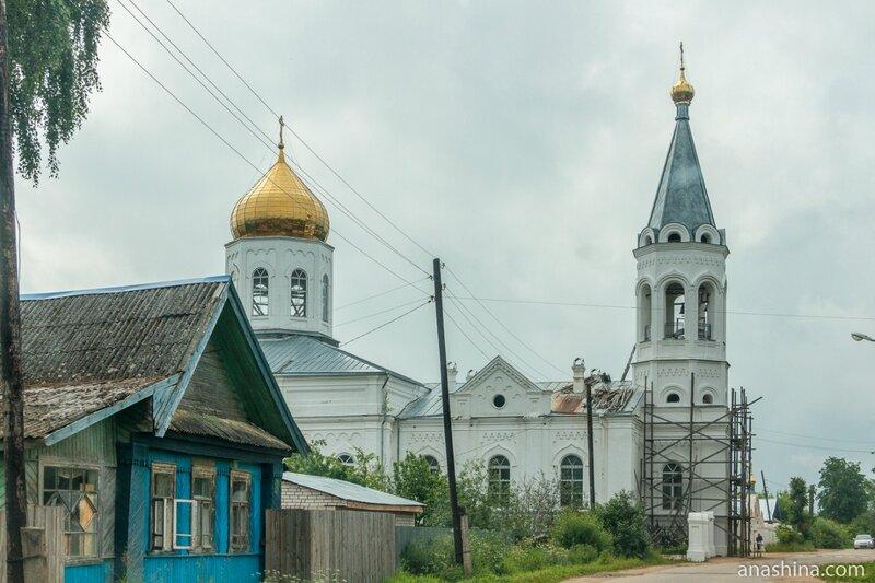 Церковь Спаса Преображения в Леонтьево