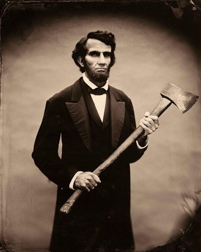 4. Два промофото фильма «Президент Линкольн: Охотник на вампиров»