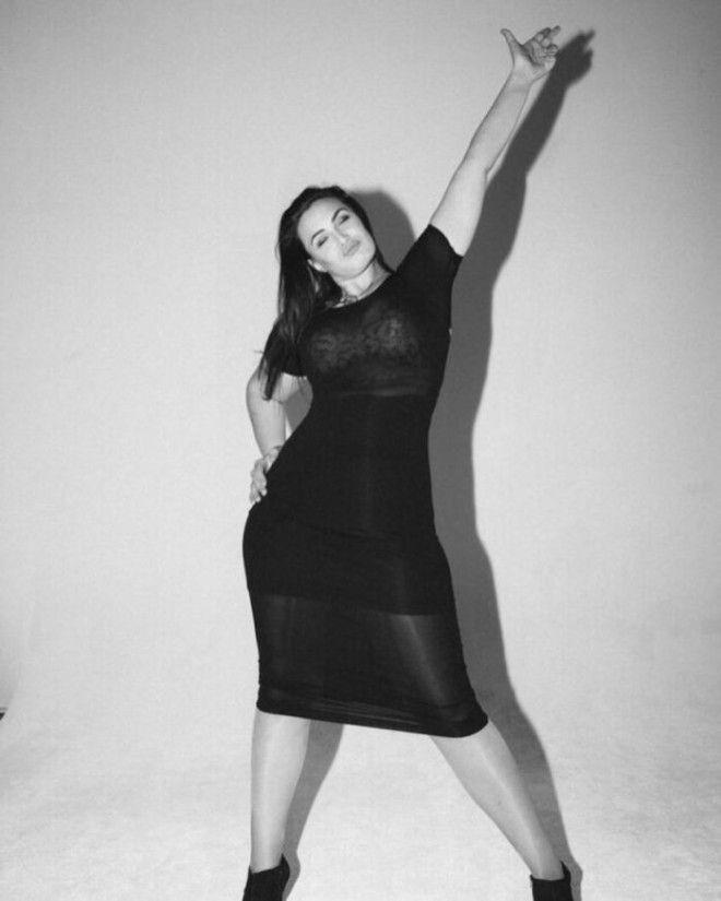 Дочь Стивена Сигала Арисса Ле Брок стала моделью plus-size