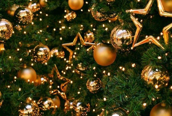 Чтобы вас вдохновить, мы собрали советы для главного украшения дома в Новый год и Рождество.