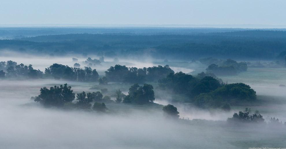 Туман начал приобретать цвет:
