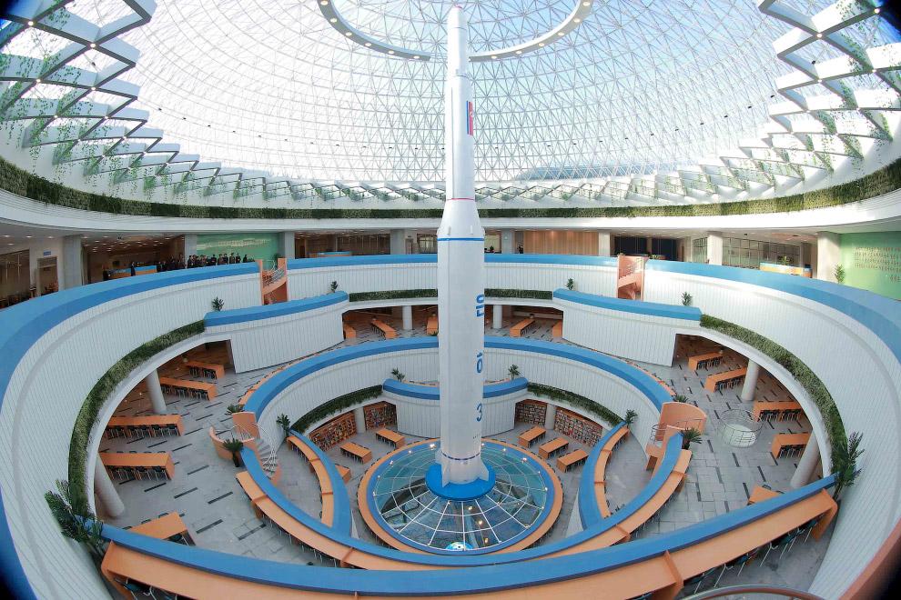 6. Этот комплекс с высоты. Прогрессивная архитектура. (Фото KCNA):