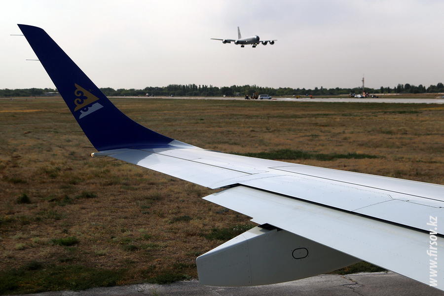 Embraer_ERJ-190_P4-KCG_Air_Astana_15_FRU4400.JPG