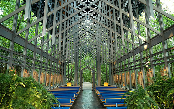 The Thorncrown Chapel in Eureka Springs, Arkansas is considered one of the crowning examples of orga