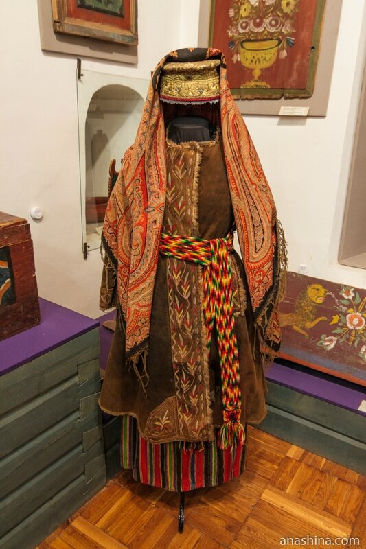 Вологодский традиционный женский костюм