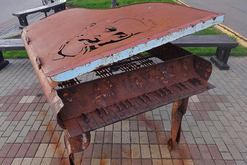 izh_streetsculpture_05.jpg
