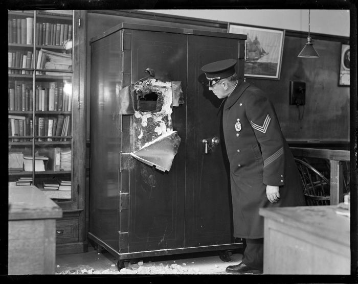 boston-police-photos-from-the-1930s-9.jpg