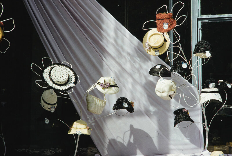 1959 Шляпки в Москве. Harrison Forman.jpg