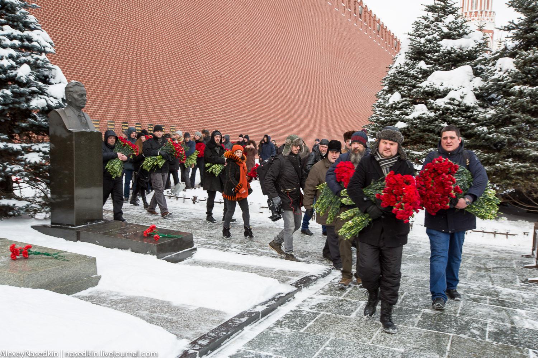 Москва торжественно помянула Сталина (фото) GA8A9903.jpg