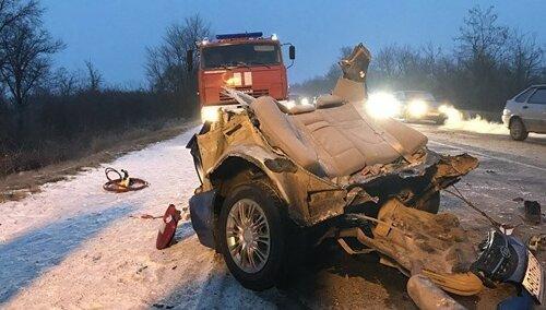 ВКрыму три человека погибли ичетверо пострадали вДТП смикроавтобусом