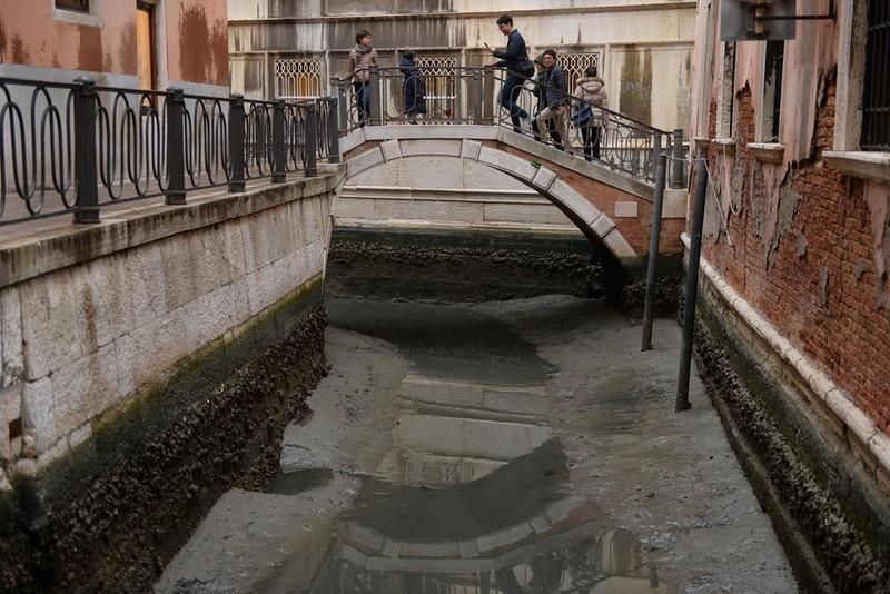 0 180ac6 f00844c4 orig - Глубина каналов в Венеции