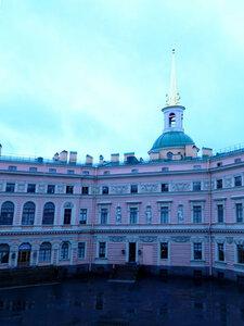 Михайловский замок, вид из окна
