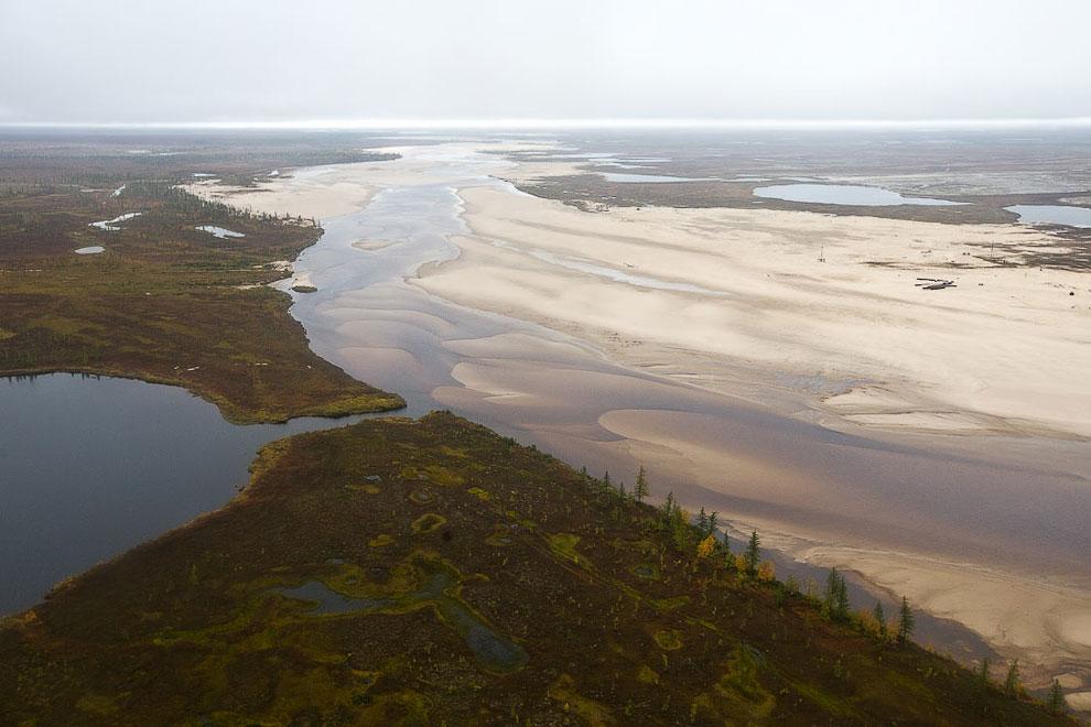 Тазовская губа  — часть Обской губы Карского моря. Это уникальное Юрхаровское местор