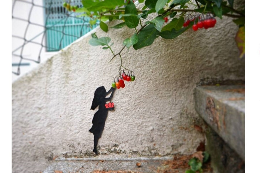 Шутки на стенах Парижа.  Oakoak Turn