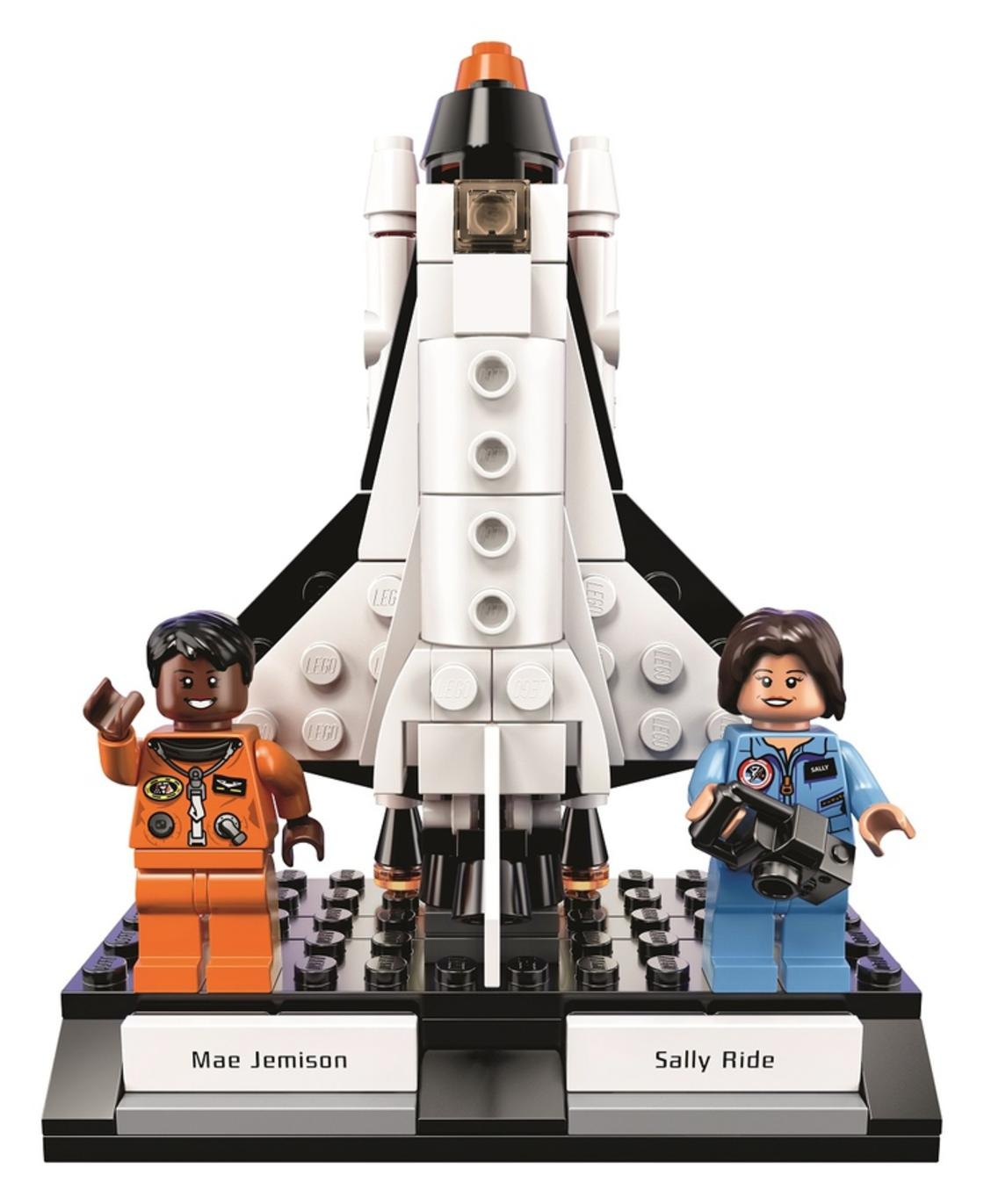 The LEGO kit that pays tribute to the women of Nasa! (12 pics)