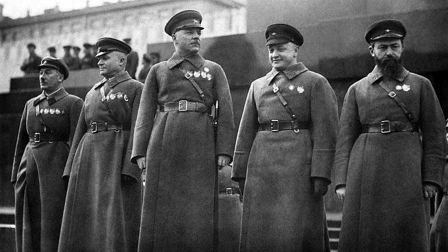 709987 Советские военачальники у Мавзолея.jpg