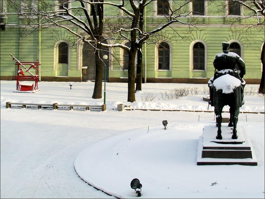 двор Мраморного