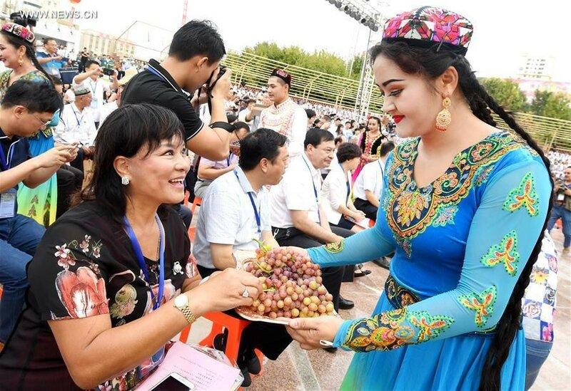 0 20e667 fdeac868 XL Турфанская долина виноградников в китайском оазисе посреди пустыни