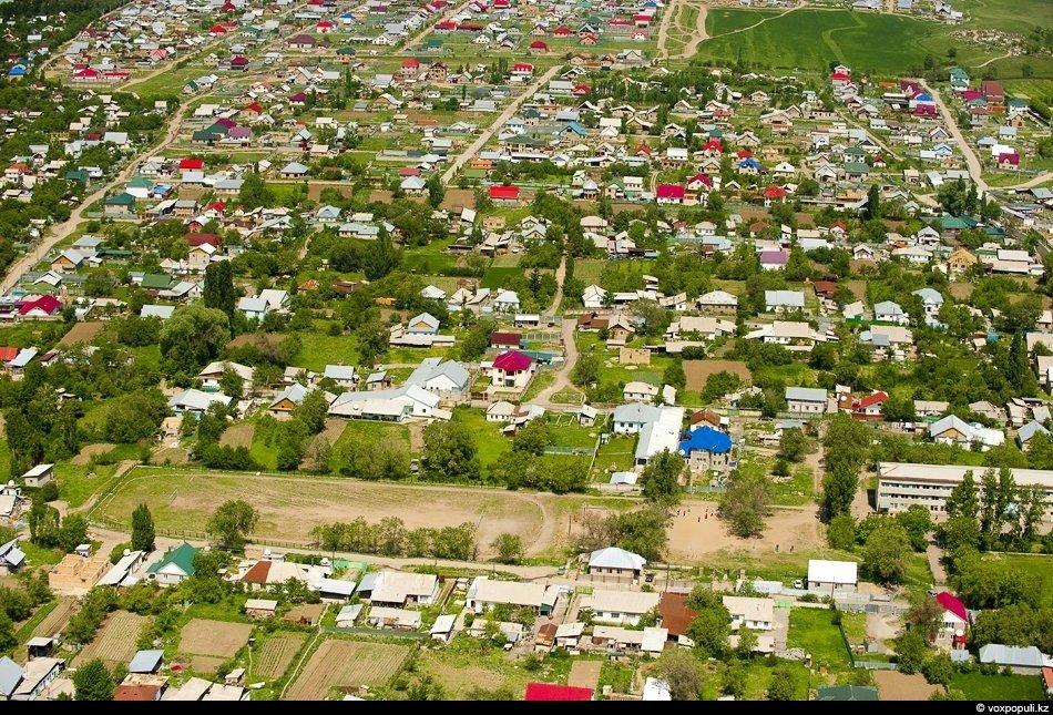 В районе национального парка «Алтын Емель». Таким «Поющий бархан» видят только птицы и летчик