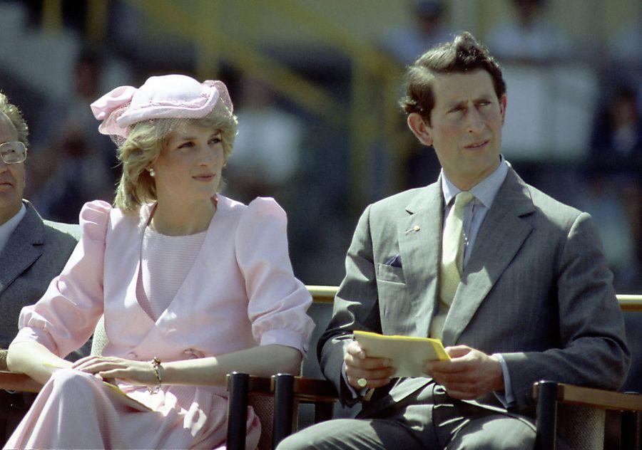 18. Сестра Дианы первой встречалась с принцем Чарльзом   Сестра Дианы, леди Сара Маккоркодейл,