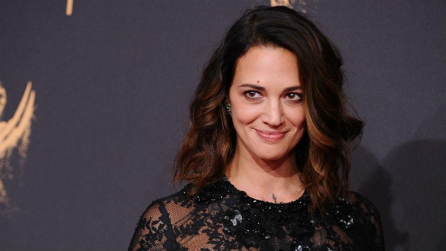 Актриса Азия Ардженто заявила, что, когда ей был 21 год, Вайнштейн ее изнасиловал. По ее словам, она