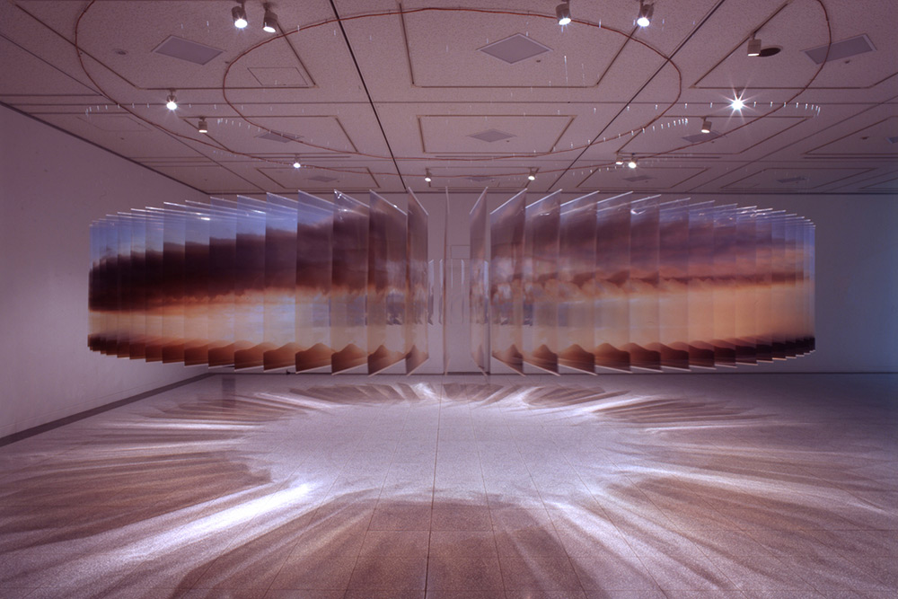 Installation view: Saturation, Osaka Contemporary Art Center, Japan ?(2006), © Nobuhiro Nakanishi, C