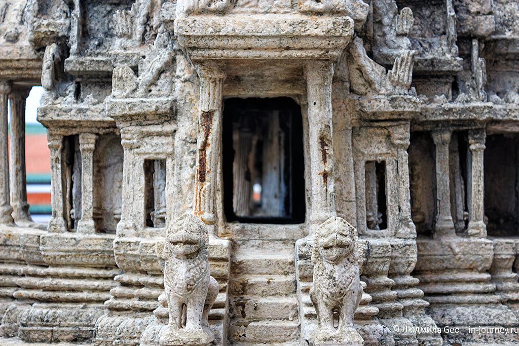 миниатюра храма ангкор ват у храма изумрудного будды