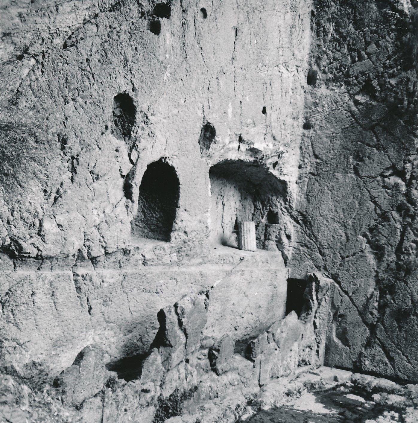 1960.  Дельфы. Кастальский источник, священный источник Аполлона