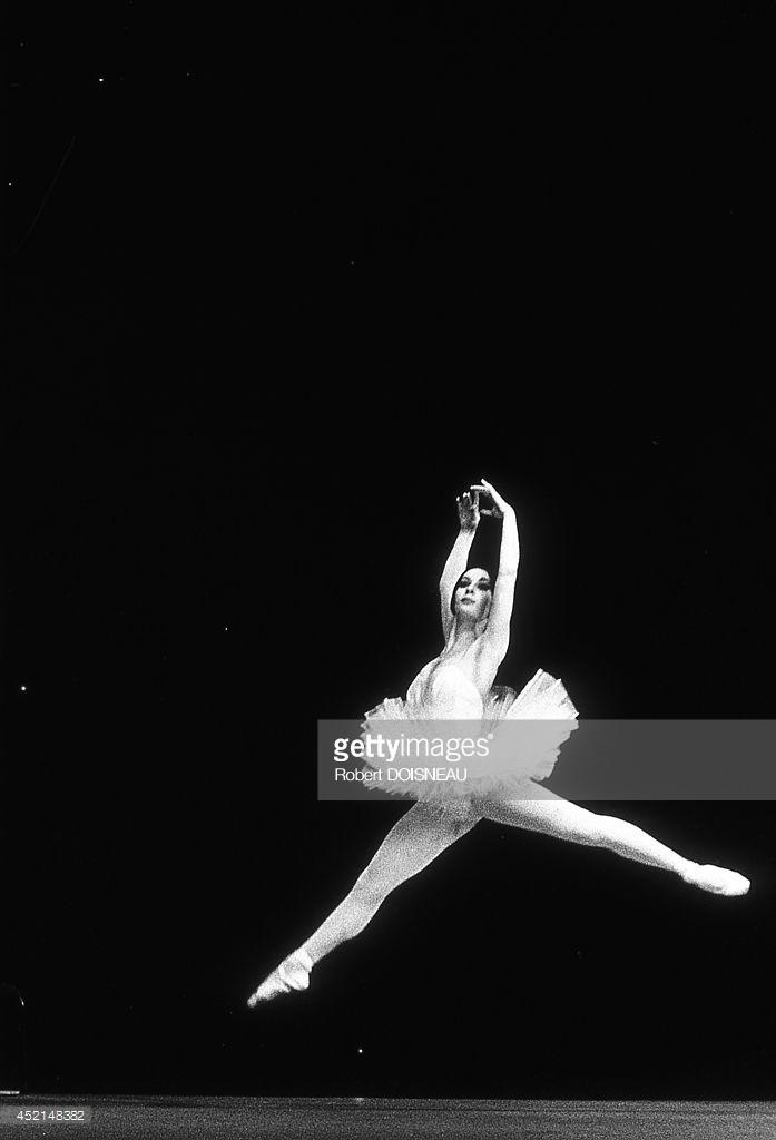 1963. Французская танцовщица Кэтрин Верни