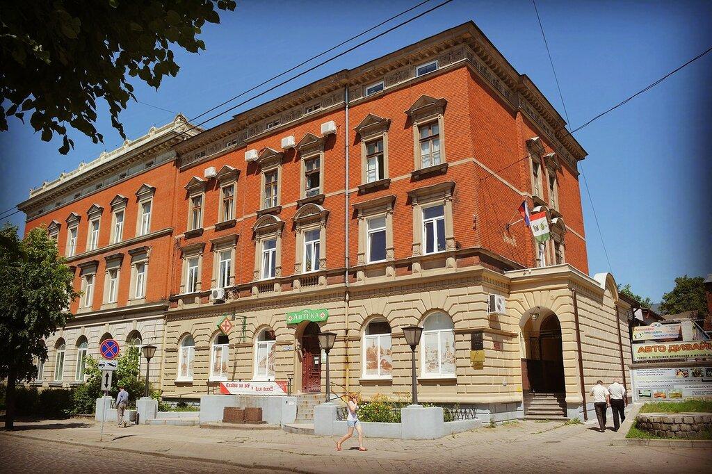 Черняховск (Инстербург) и бывшая житница Германии.
