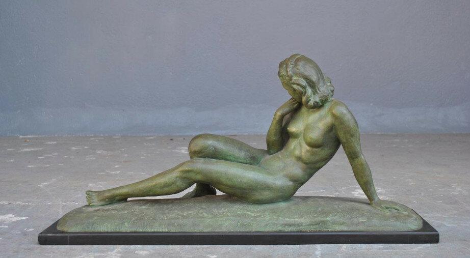 Скульптура Обнаженная