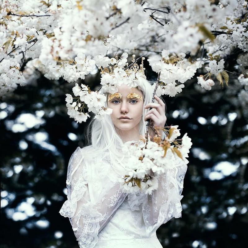 0 17e878 4f50c60e orig - Магические портреты девушек от Беллы Котак