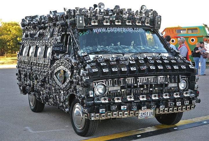 Фургон инкрустированный фотоаппаратами