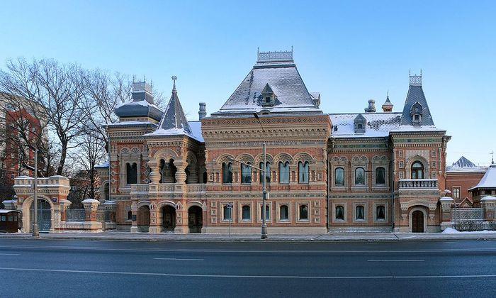 Ходят легенды, что вспыльчивый характер Игумнова погубил несколько жизней. Москвичи поначалу не оцен