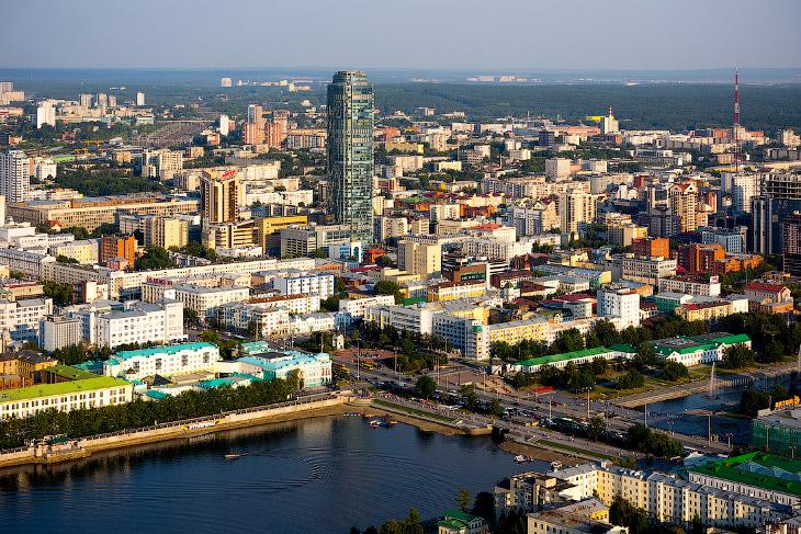 2. Екатеринбург был основан в ноябре 1723 года как центр горнозаводской промышленности Урала.