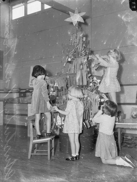 Подготовка кРождеству, 1942.    18. Потому что очень верили вчудо