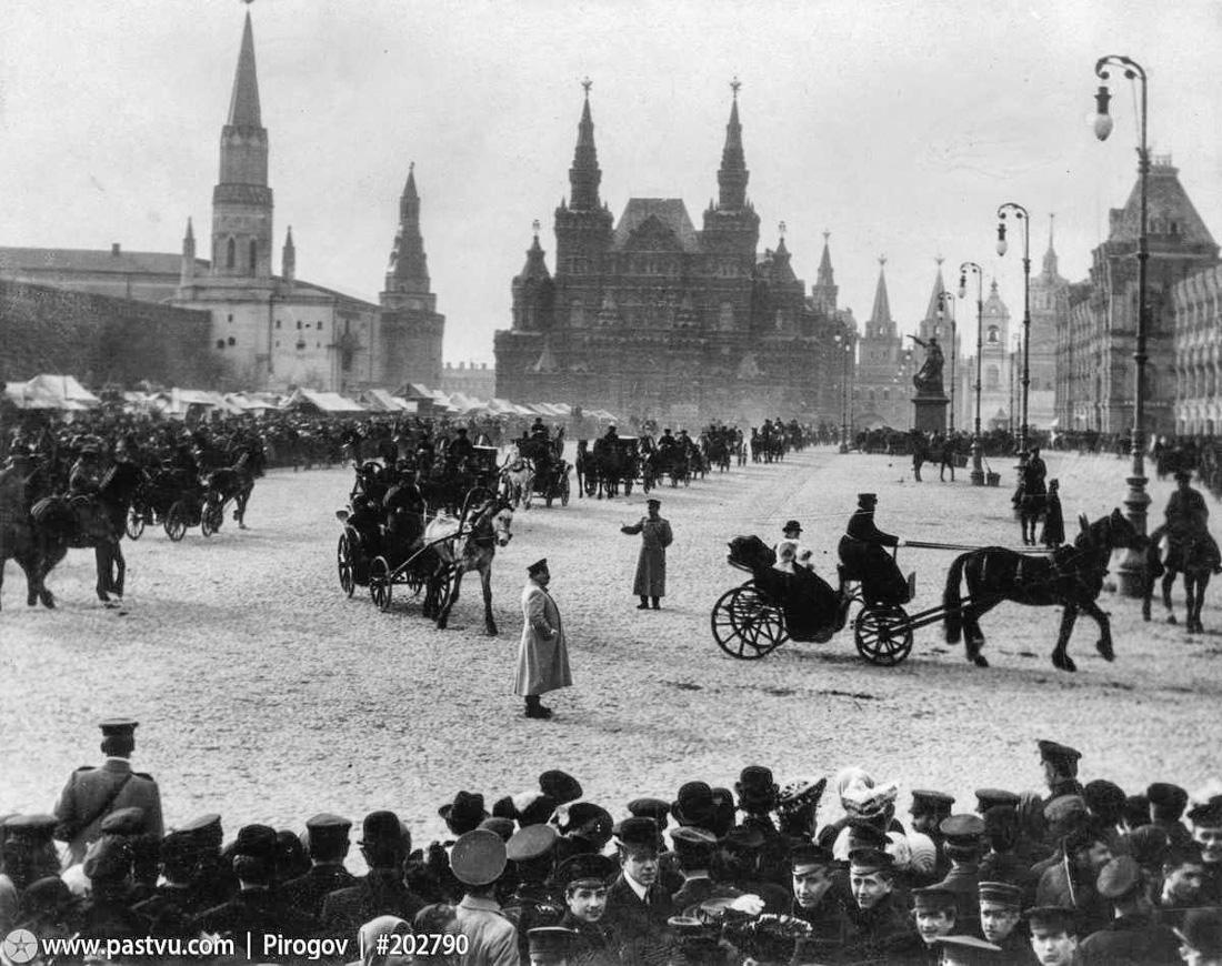 Вербные катания на Красной площади