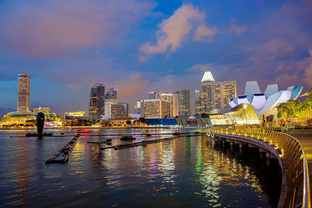 Набережная Марина Бэй в Сингапуре.