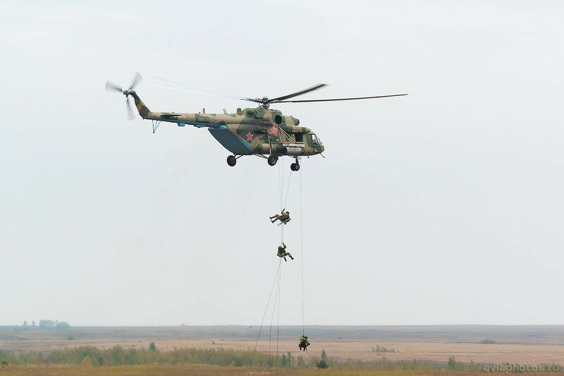 Миль Ми-8МТВ-5 (RF-24774 / 39 красный) ВКС России 0417_D806092