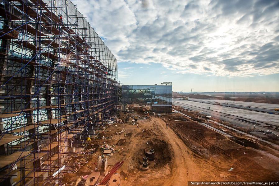 13. Кстати, в новом аэропорту будет и «тайный» 4-й этаж. Это небольшое пространство в центральной ча