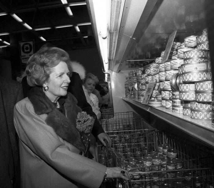 Маргарет Тэтчер в магазине «Диета» в Крылатском. Москва, 1987 год.   «Криминальное чтиво
